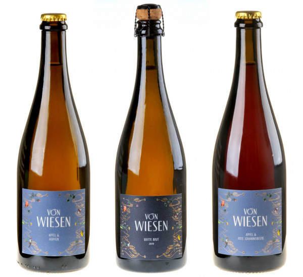3er-Weinpaket Von Wiesen zum vinocentral-Livestream 3 Gläser Extra mit Niko Brandner unterm Obstbaum