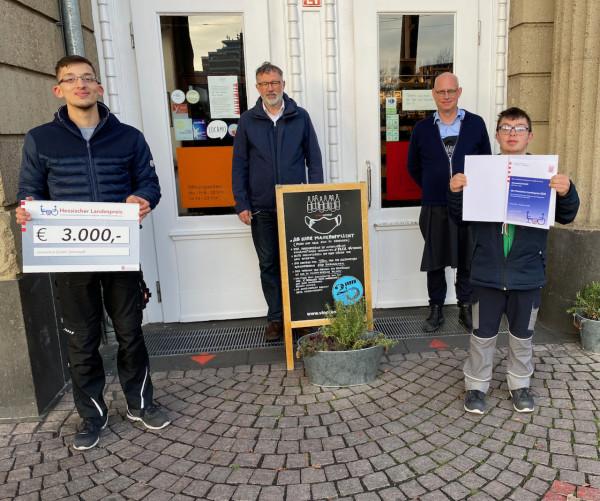 vinocentral_Landespreis_2020_Mit_Urkunde1